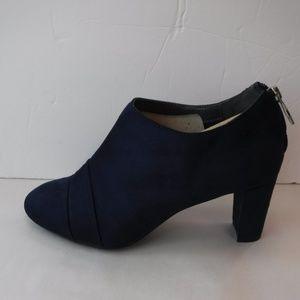 A2 Aerosoles Size 8.5 Wide Blue Fabric Bootie Heel